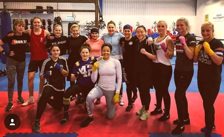 DIF-tjejer på träningsläger!