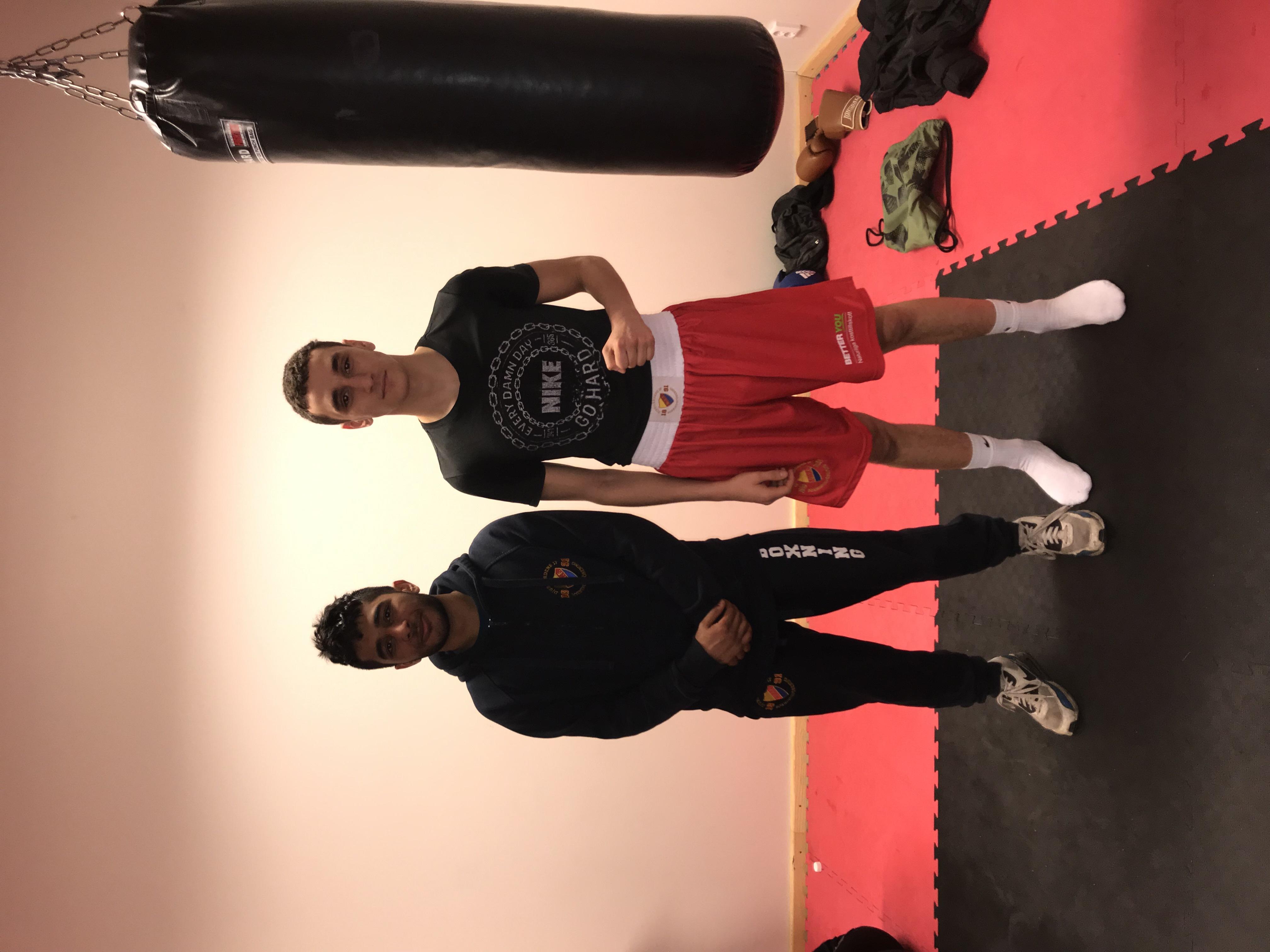 Danial och Angelo på tränkngsläger