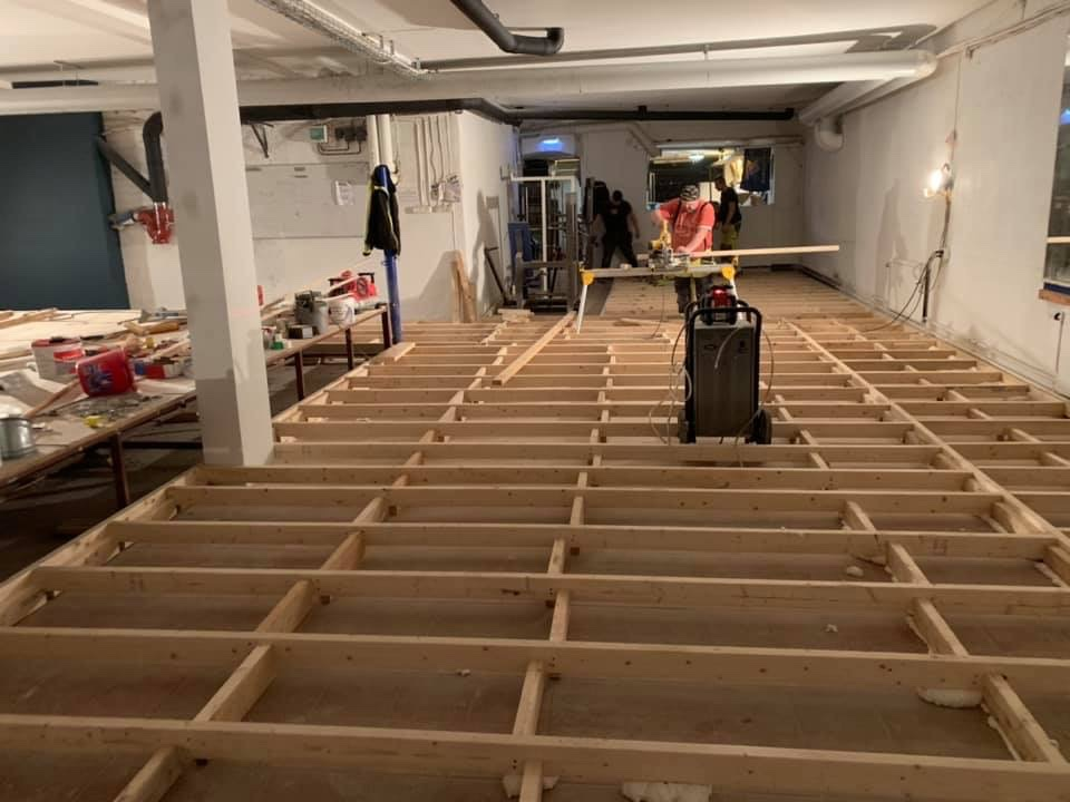 Återinvigningen av lokalen närmar sig