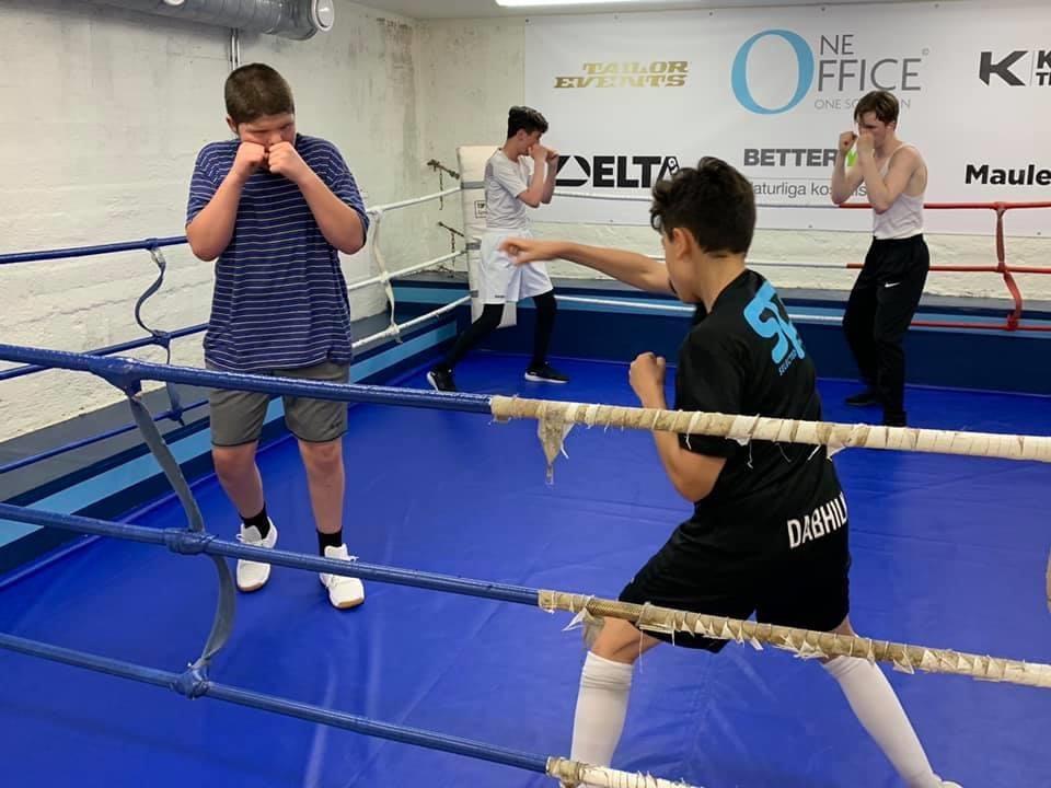 Glada nyheter för alla boxningsintresserade ungdomar – Gratis boxningsträning