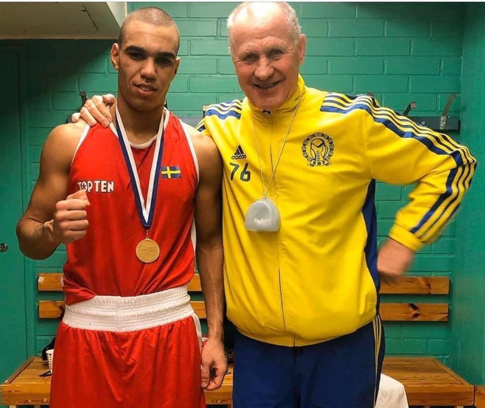 Adel vann i landskampen mot Danmark